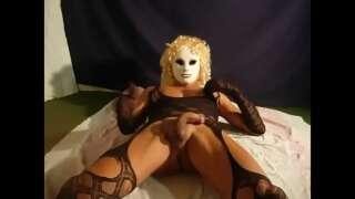 blonde gurl explores her cum